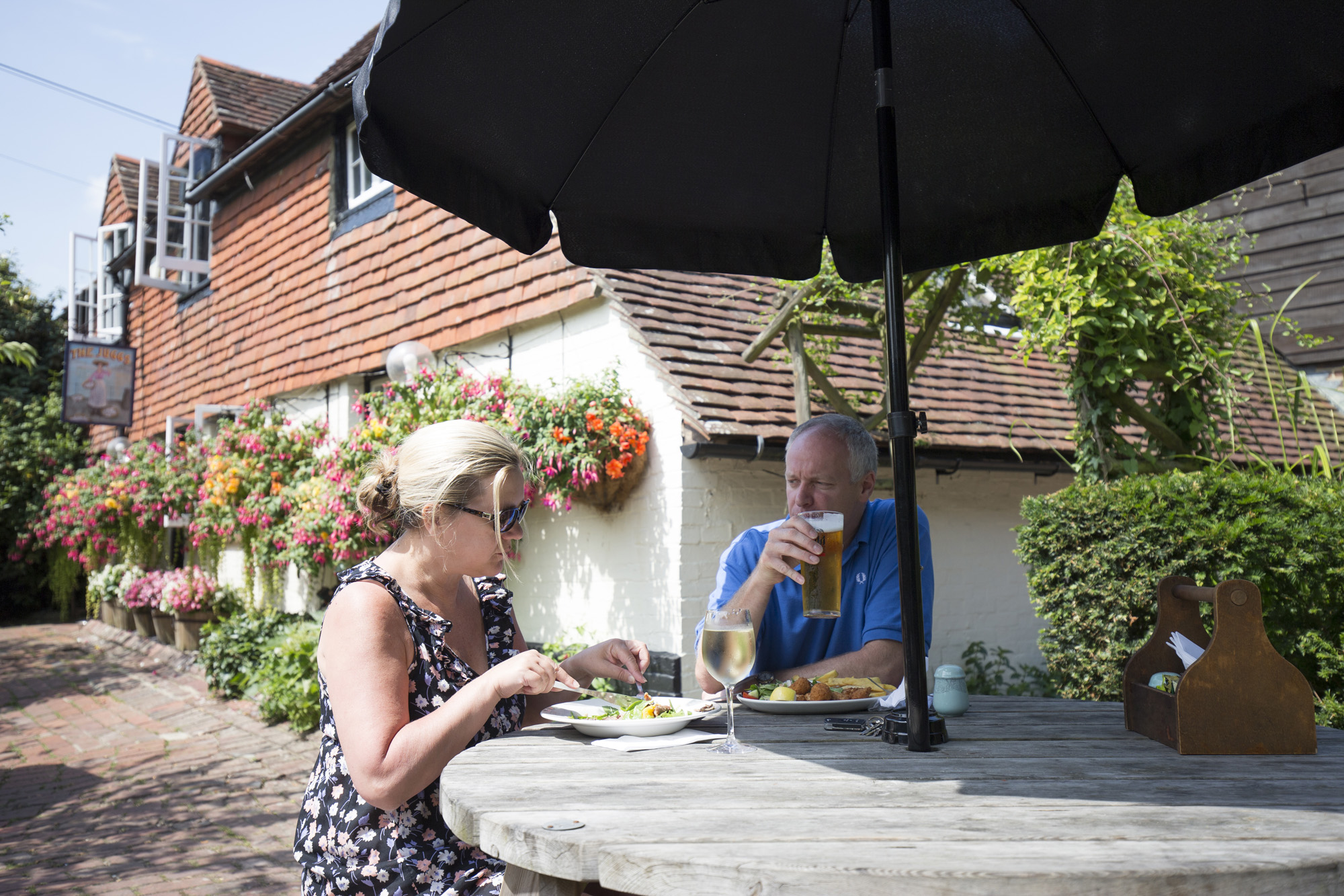 Juggs, Lewes - Lunch in the garden